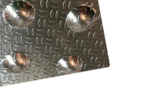 Dalle podotactile en aluminium larmé pour extérieur