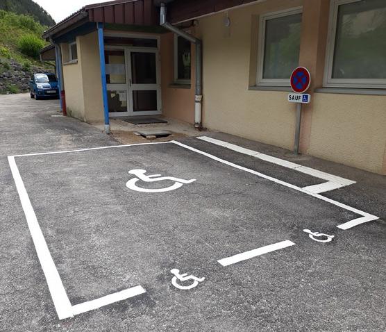 Place de stationnement PMR
